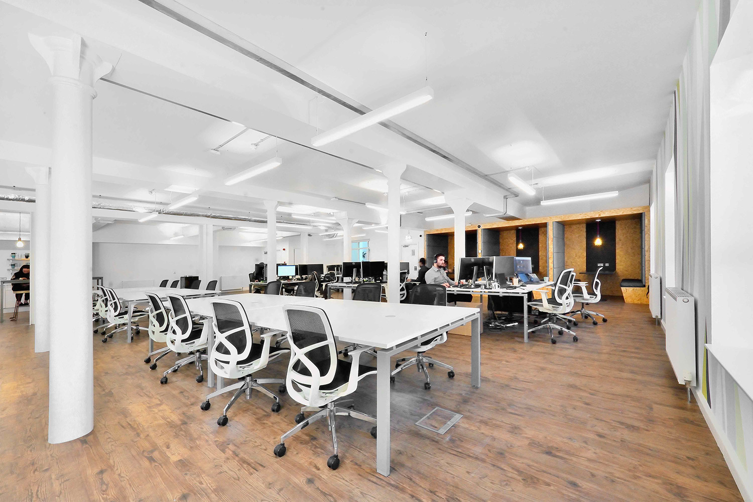 Foxglove Offices are a services office space in Leith, Edinburgh. Snowdrop Services provide office cleaning to all of the offices across 3 floors. For professional office cleaning call Snowdrop Services